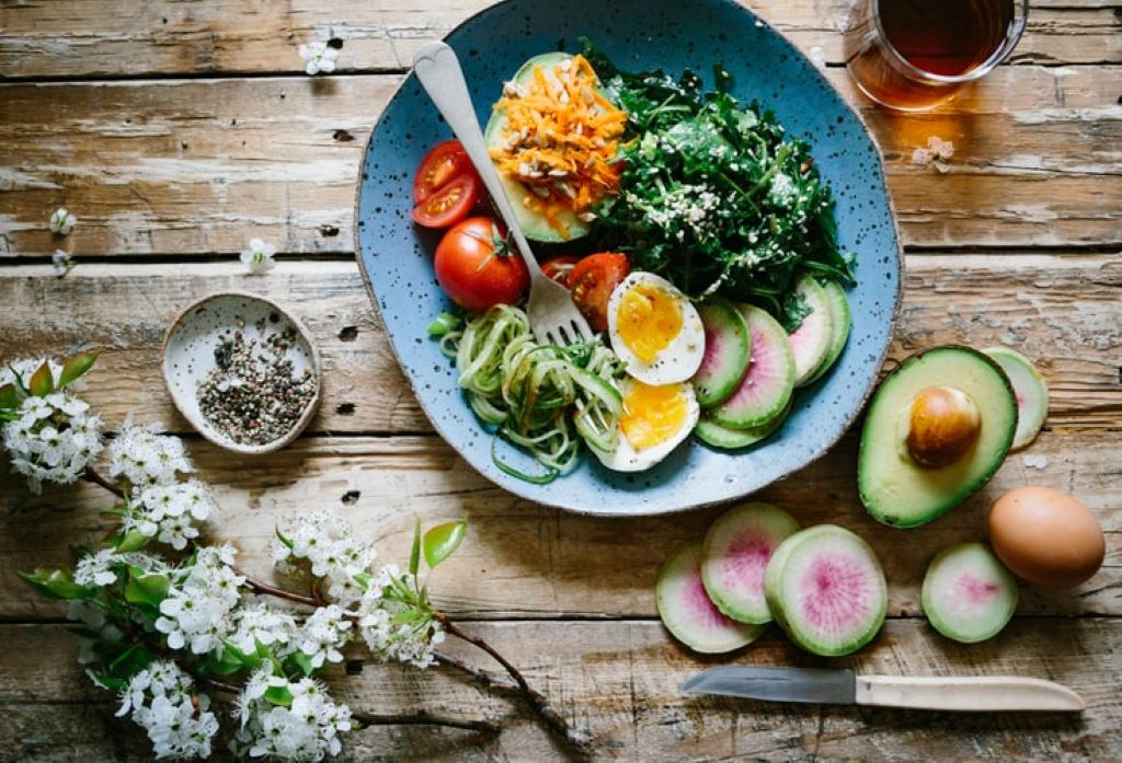 A Complete Guide on How to Live Longer and Happier eat healthy
