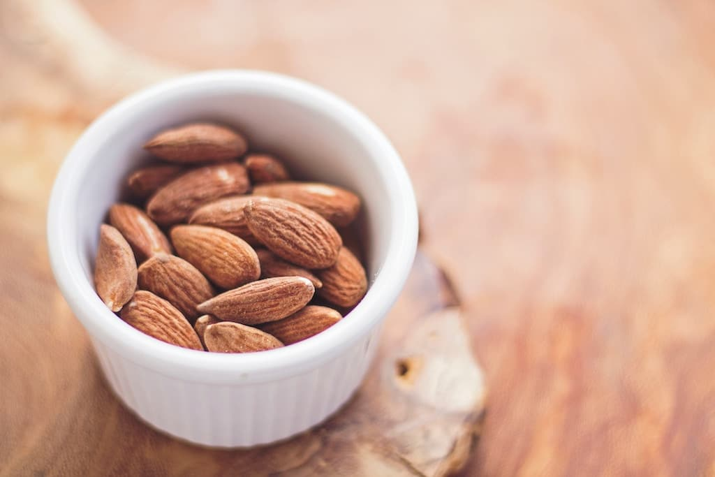 7 healthy foods containing good fats almond