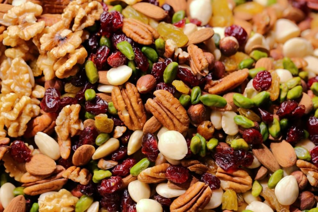 7 Healthy Foods Containing Good Fats nuts