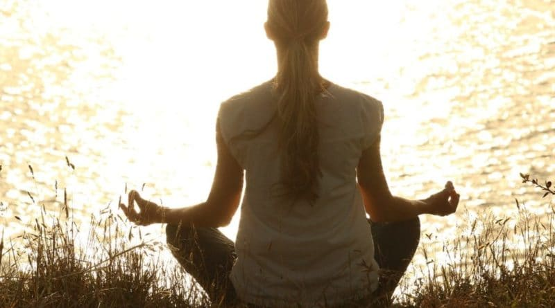how to get into the habit of meditating daily